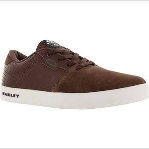New Oakley Mens Valve 2 Brown Havana Sneakers